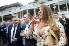 Grand-Opening-Day-Grand-National-Festival-horse-racing-Aintree-Racecourse-Liverpool-UK-06-Apr