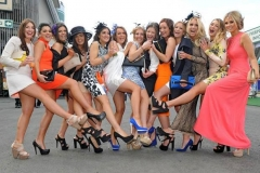 Ladies_Day_Crabbies_Grand_National_horse_racing_Aintree_festival-372503
